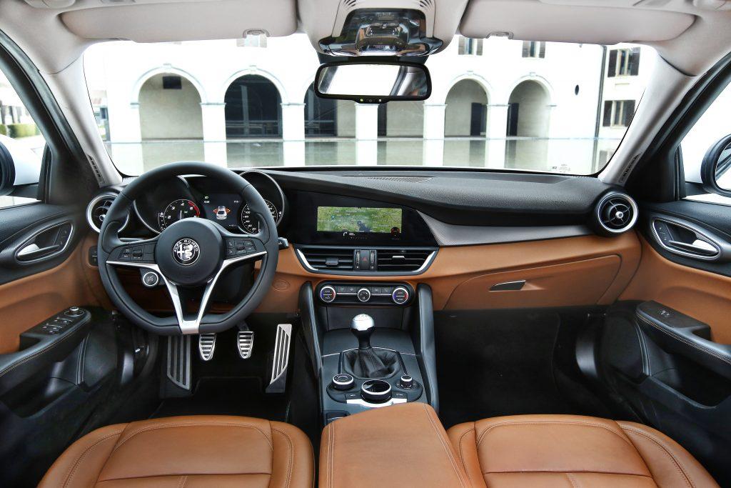160510_Alfa-Romeo_Giulia_28